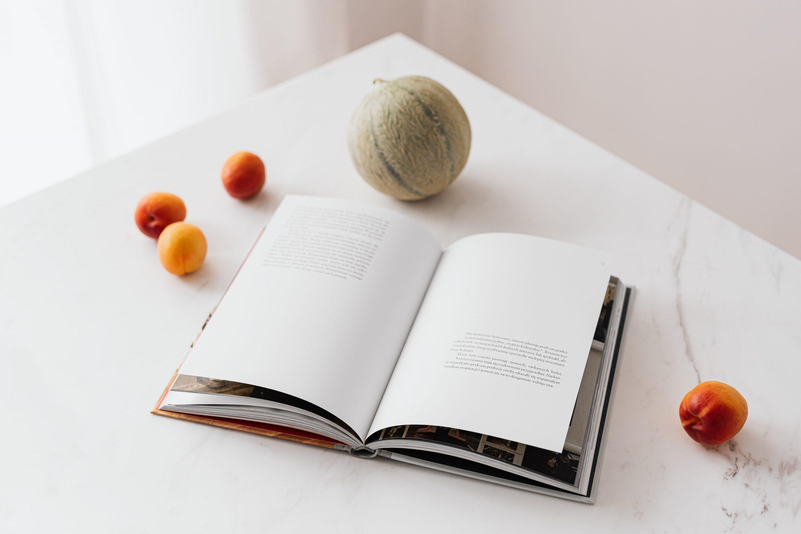 書本和食物