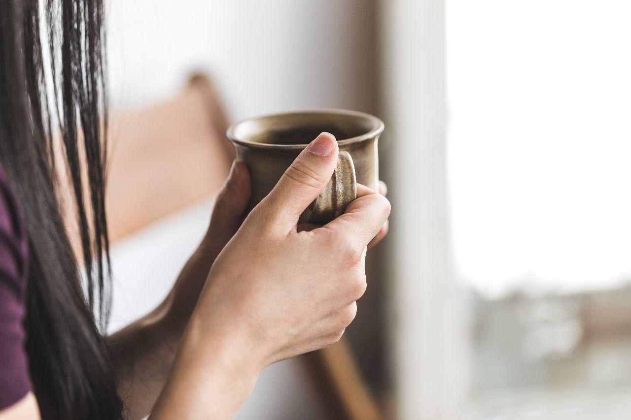 舒緩經痛第一招:熱飲配圖:喝茶