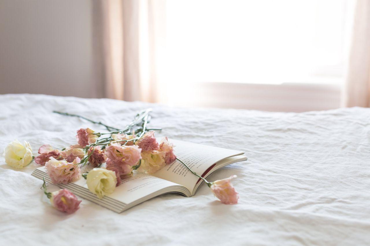 坐月子應選擇通風良好的臥室好好休息
