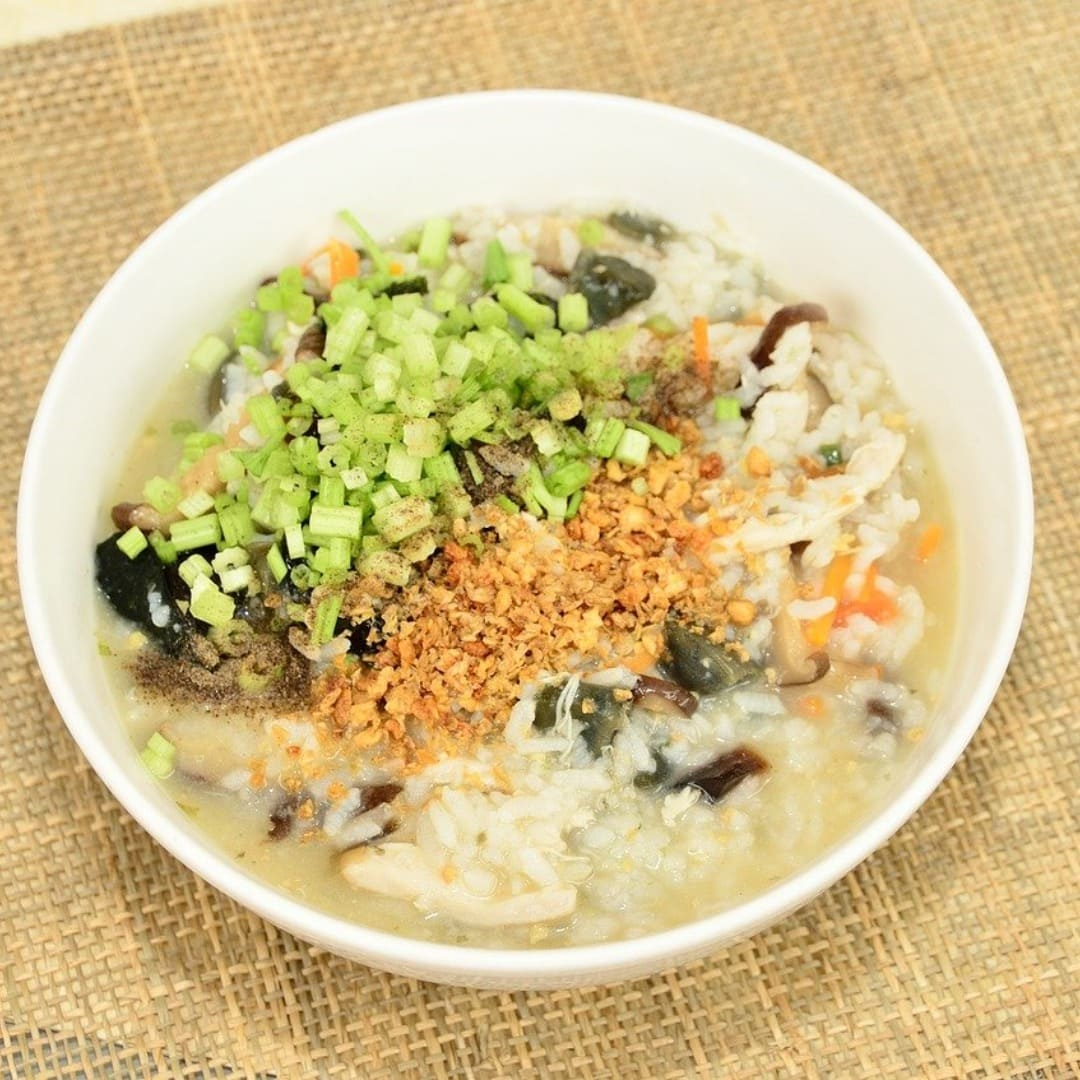 小月子餐:糙米蔬菜粥配圖