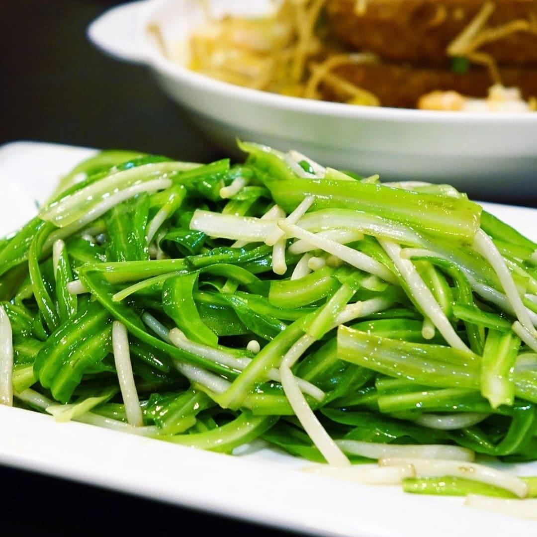 小月子餐:清炒當季時蔬配圖