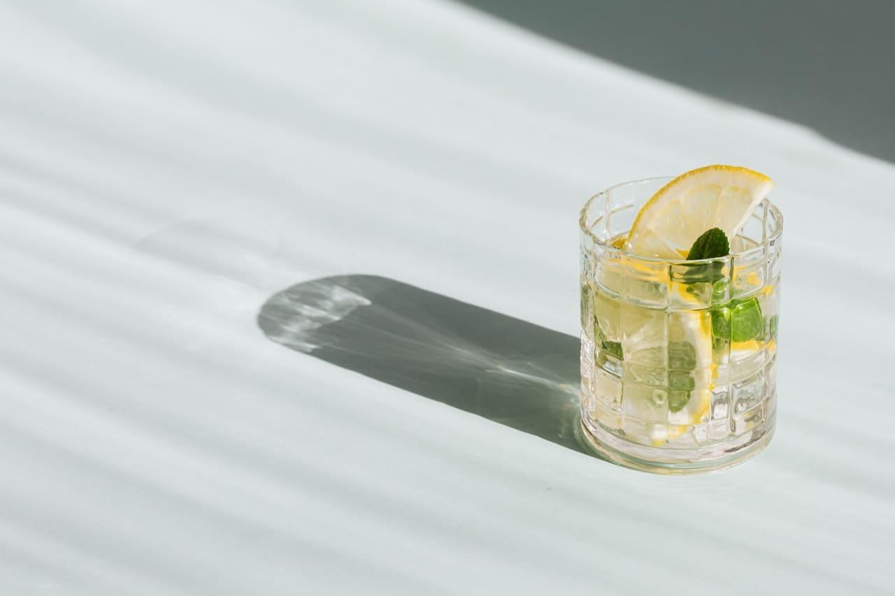 六種方法讓子宮更健康,以避免感染為優先配圖;少飲酒