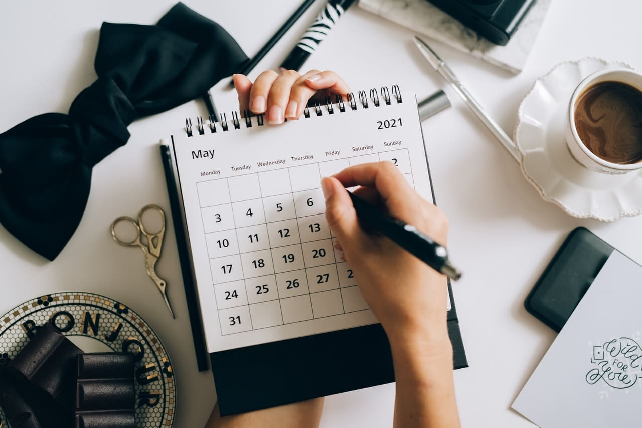 月經週期指的是從月經的第一天,到下次月經來潮時的前一天配圖:計算月經