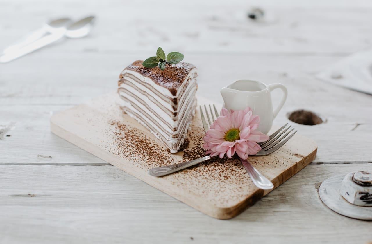 子宮息肉術後保養及預防就要調整荷爾蒙配圖:蛋糕