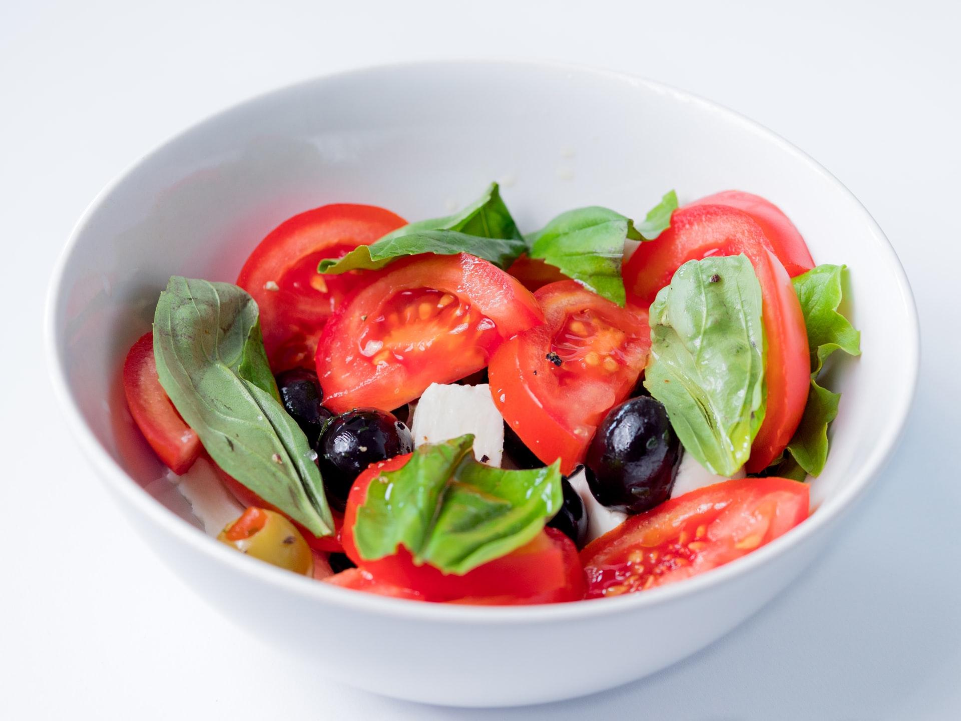 月經週期減肥法:忌冰品,深綠色蔬菜消水腫配圖